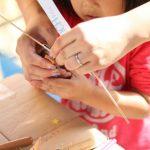 おうちでもすぐできる!小学館「HugKum」サイトで科学遊びに挑戦